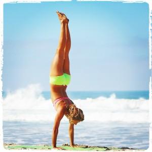 soye handstand2